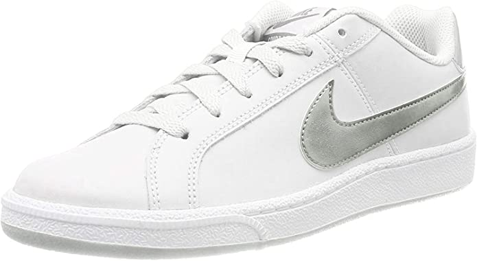 outfit con tenis blancos nike mujer